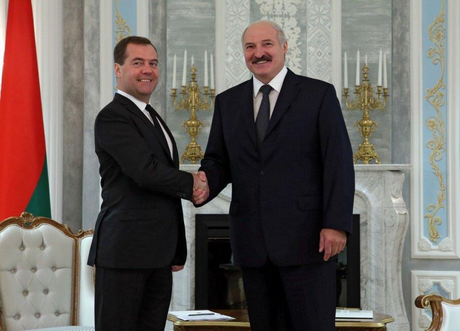 Лукашенко на встрече с Сергеенко и Кочановой анонсировал контакты с руководством России