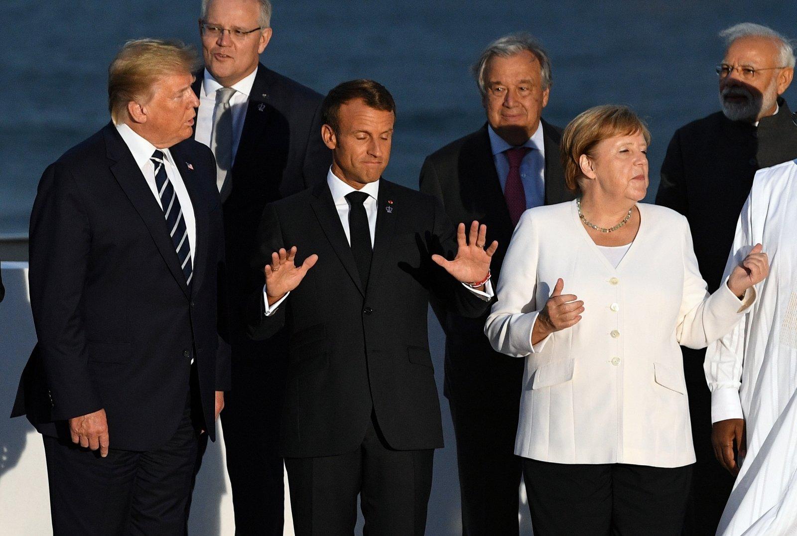 вас коллективное фото лидеров на саммите в перу при входе