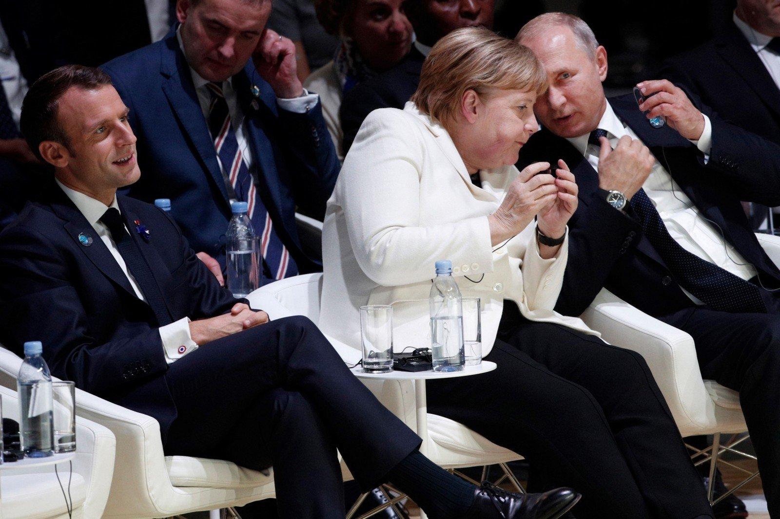 """СМИ: пресс-конференция Путина по итогам встречи """"нормандской четверки"""" может пройти в аэропорту"""