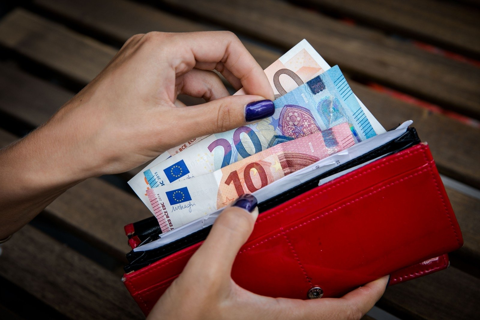 dirbti iš namų be investavimo pinigų)