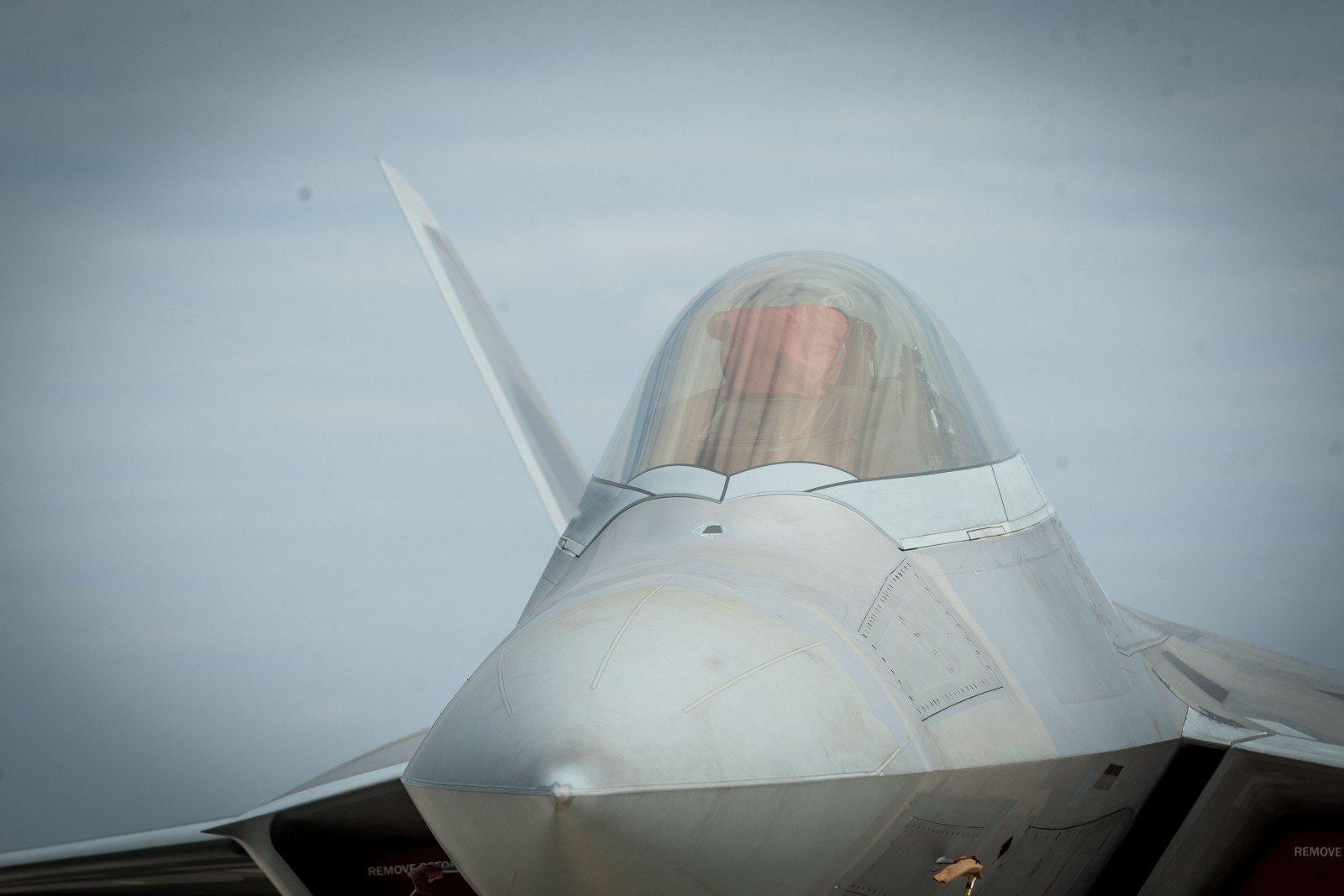 НаАвиабазе вШяуляй сели истребители F-16 ВВС Нидерландов
