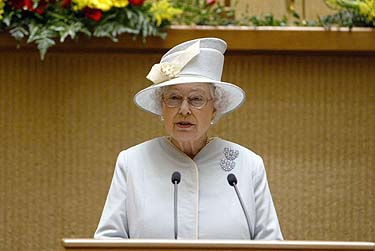 Karalienė Elžbieta II Seime