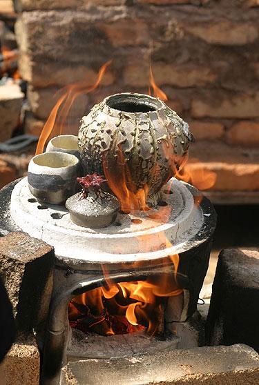 II bonsai paroda Alytuje. Japoniška keramika