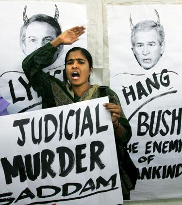 Indė protestuoja dėl S. Husseino egzekucijos