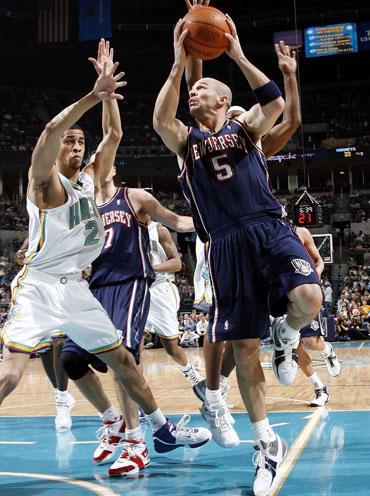 "Su kamuoliu Jasonas Kiddas (""Nets"")"
