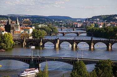 Čekija, tiltai per Vltava upę