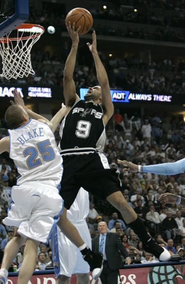"""Atakuoja Tony Parkeris (""""Spurs"""")"""