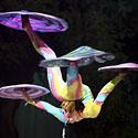 Kinijos imperatoriškojo cirko akrobatės pasirodymas