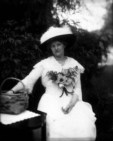 Skrybėlė. 1917 m.