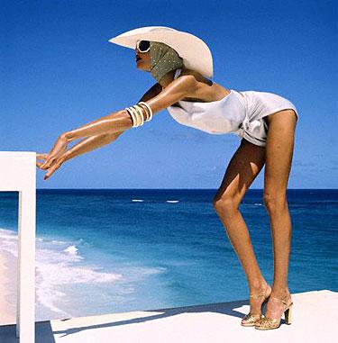 Moteris paplūdimyje
