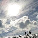 Apsnigtas laukas, žiema, sniegas, dangus, saulė