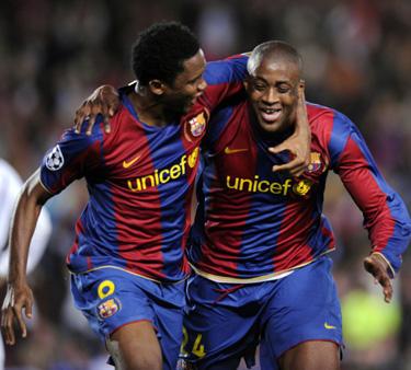 "Samuelis Eto'o sveikina Yayą Toure (""Barcelona"")"