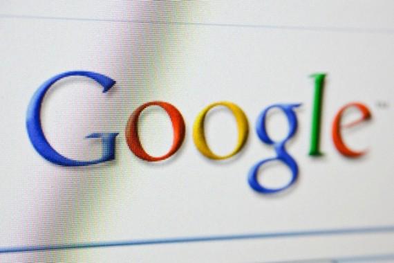 """Su """"Facebook"""" ir """"Google"""" kovojanti EK pristatė duomenų apsaugos strategiją"""