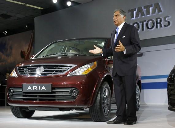 """Ratanas Tata pristato """"Aria"""" modelį"""