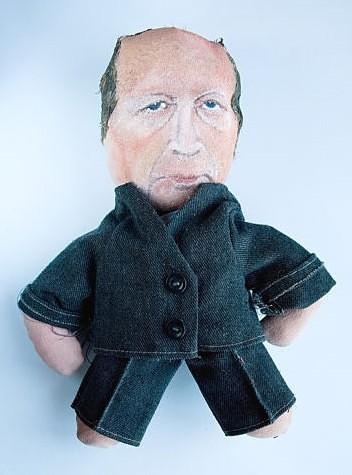 Aukcione už dolerį siūloma lėlė panaši į A.Kubilių