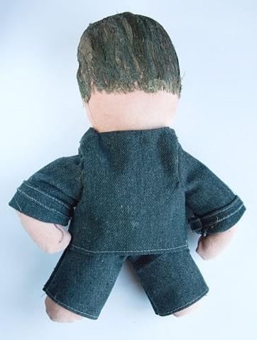 Aukcione A.Kubiliaus lėlė brangsta akyse