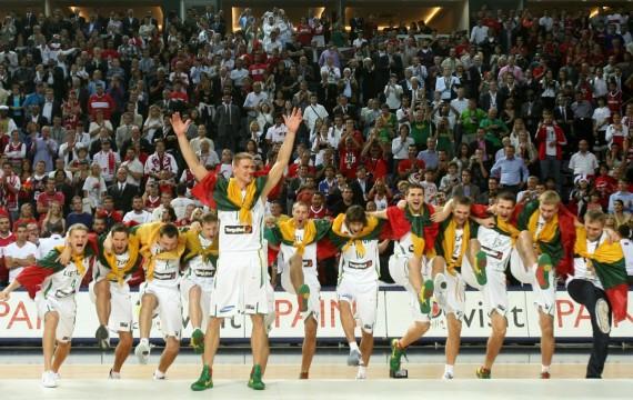 Lietuvos krepšininkai pasipuošė bronzos medaliais