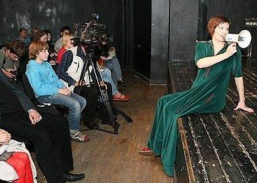 Jurga Šeduikytė knygos pristatyme. 2008 m. gegužė.