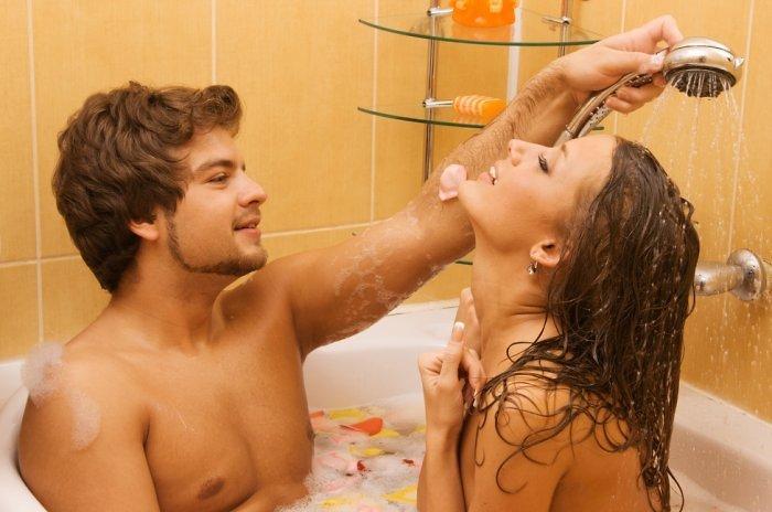 Неожиданный секс в ванной с подругой видео — 1