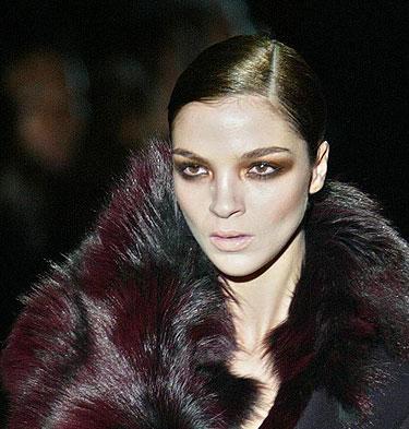 Gucci. Makiažas ruduo - žiema 2004-2005