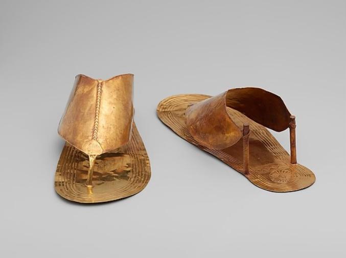 Sandalai Atrasti Gilioje Senovėje Bet Populiarus Ir Siandien Delfi Stilius