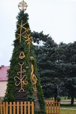 Girdžių seniūnijoje – unikali Kalėdų eglutė