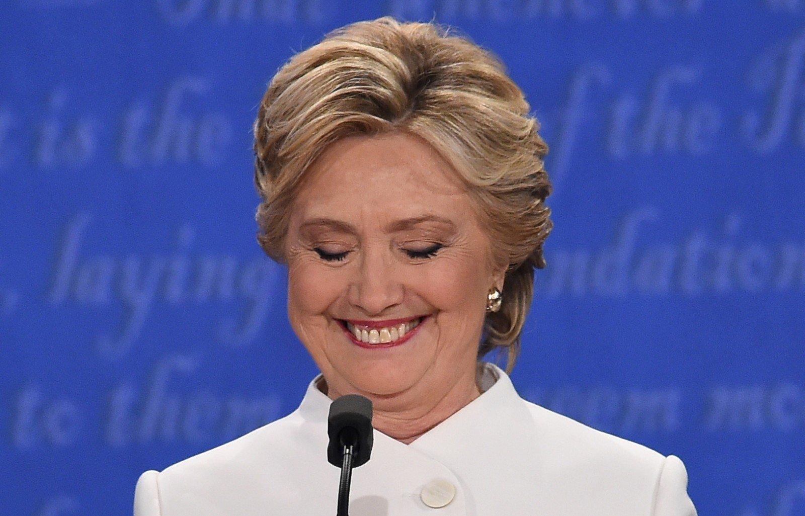 Обама незнал, что Клинтон сохраняет переписку на личном сервере— Белый дом