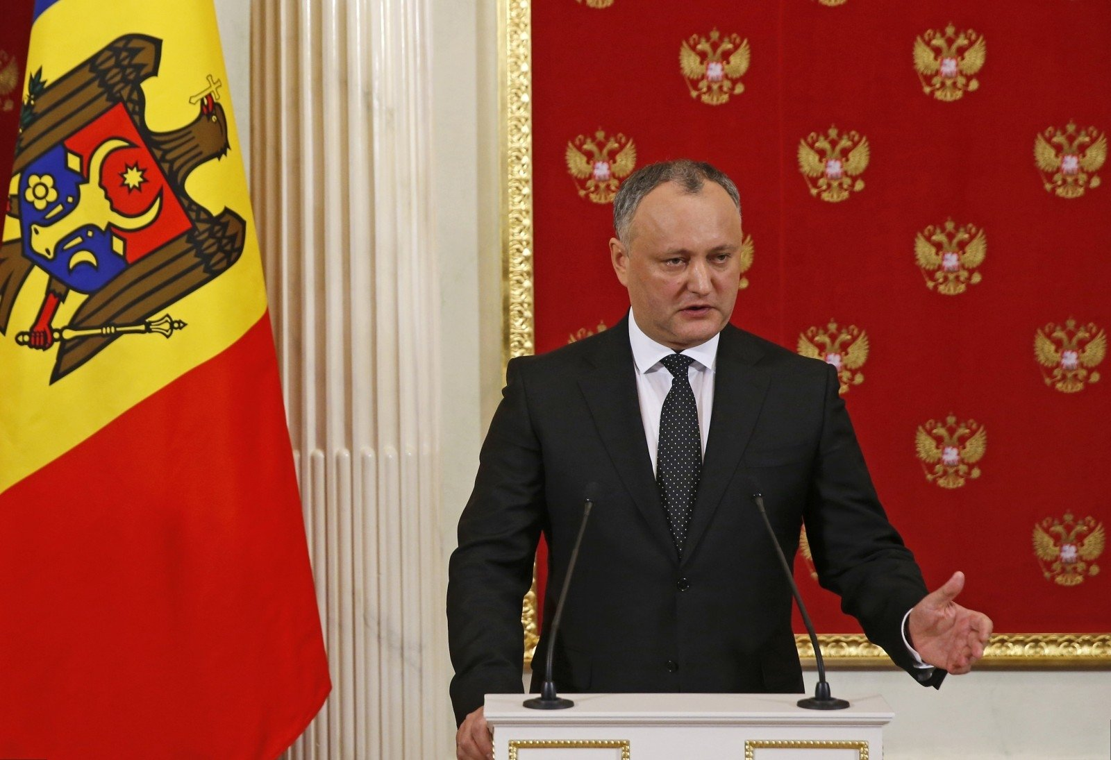 Додон едет вБрюссель диктовать Еврокомиссии условия народа Молдавии