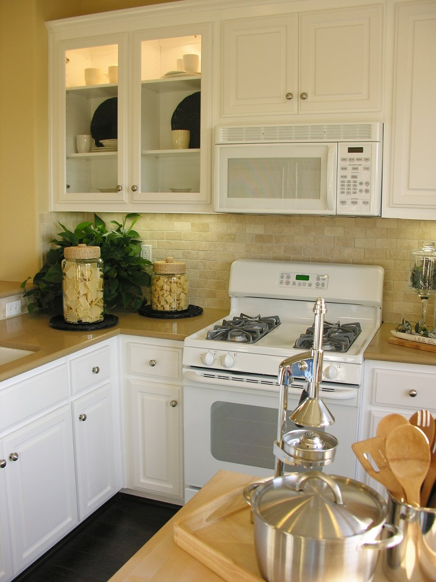 Virtuv s dekoro mados - White kitchen ideas that work ...