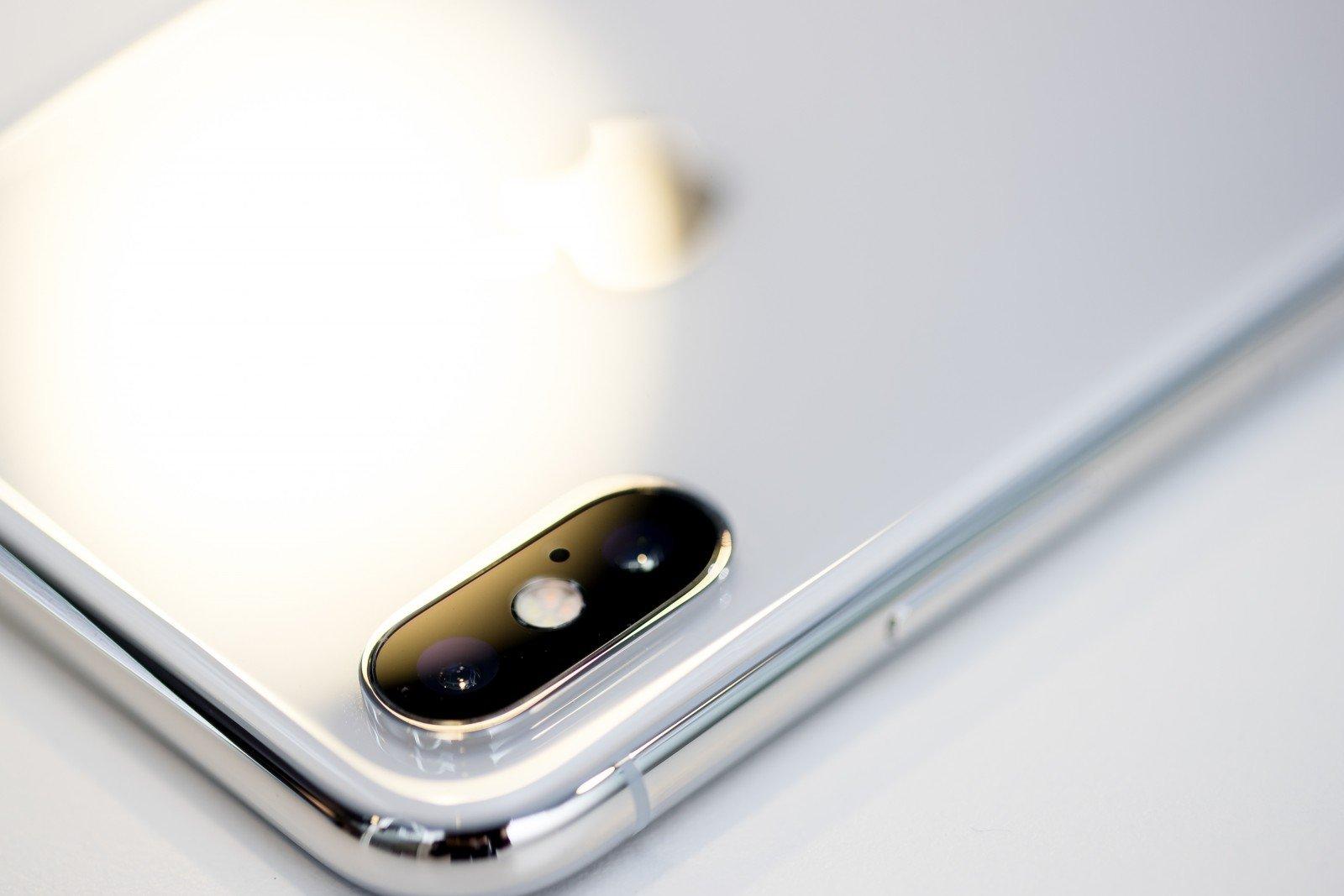 dvigubas variantas mobiliesiems telefonams