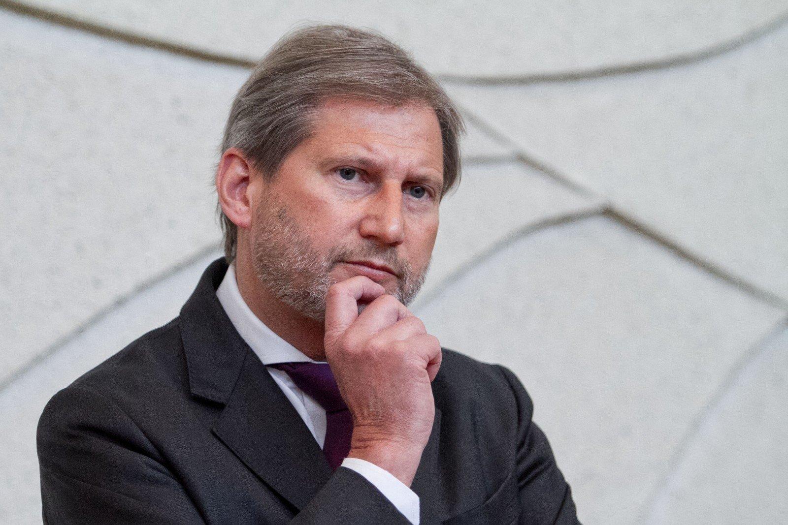 Еврокомиссар Хан предсказывает окончательное решение обезвизовом режиме для Украинского государства осенью 2016