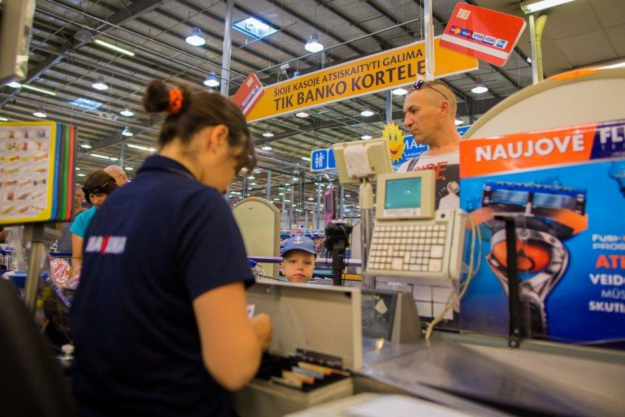 prekybos atsiskaitymo sistema viso maisto darbuotojo akcijų pasirinkimo sandoriai