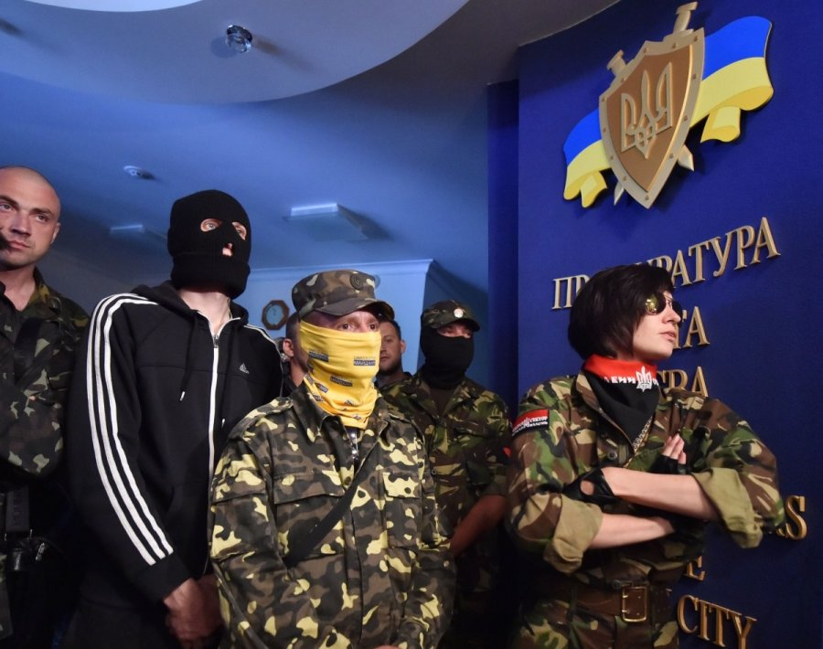 суки украины трахаются с правым сектором накладками