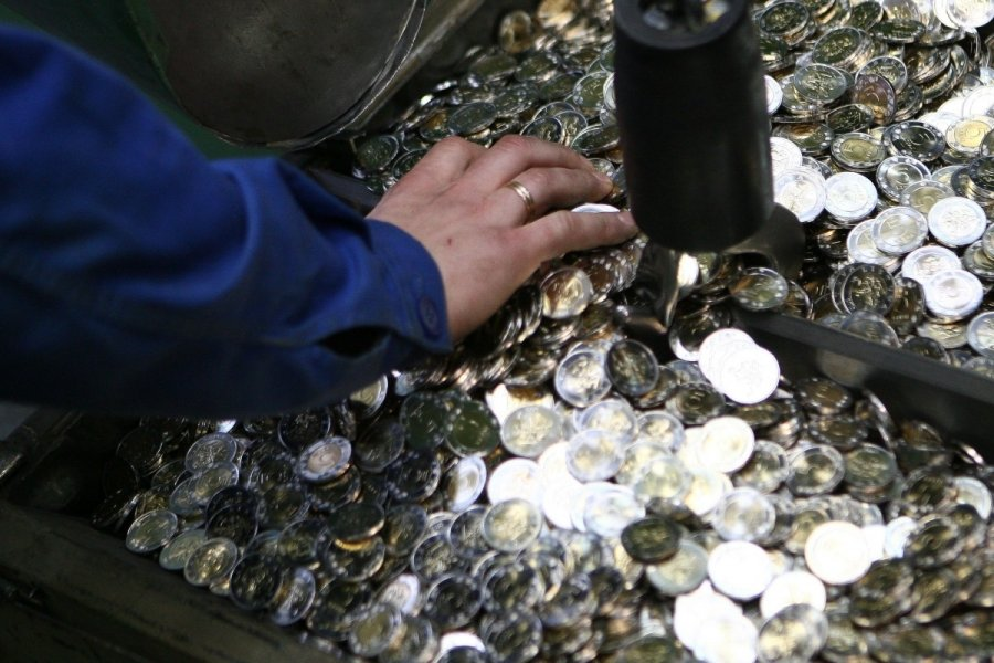 kaip udirbti pinigus i monet eimininko)