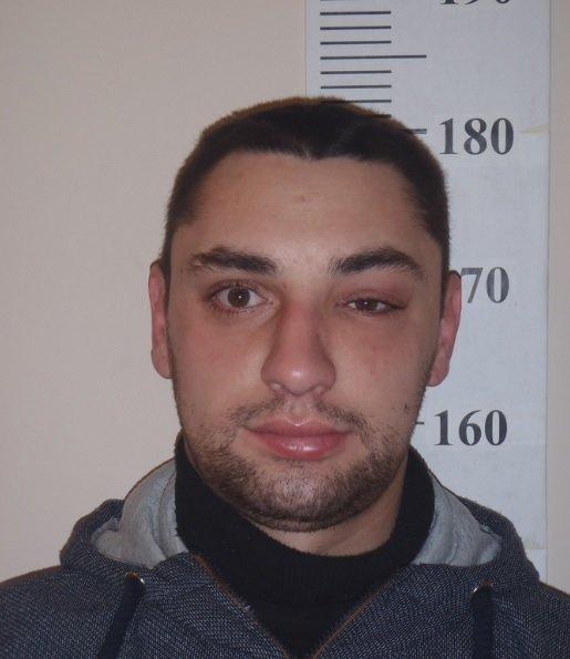"""Pabėgo iš policijos :Kalašnikov"""" atėmęs ginklą Igor Molotkov"""