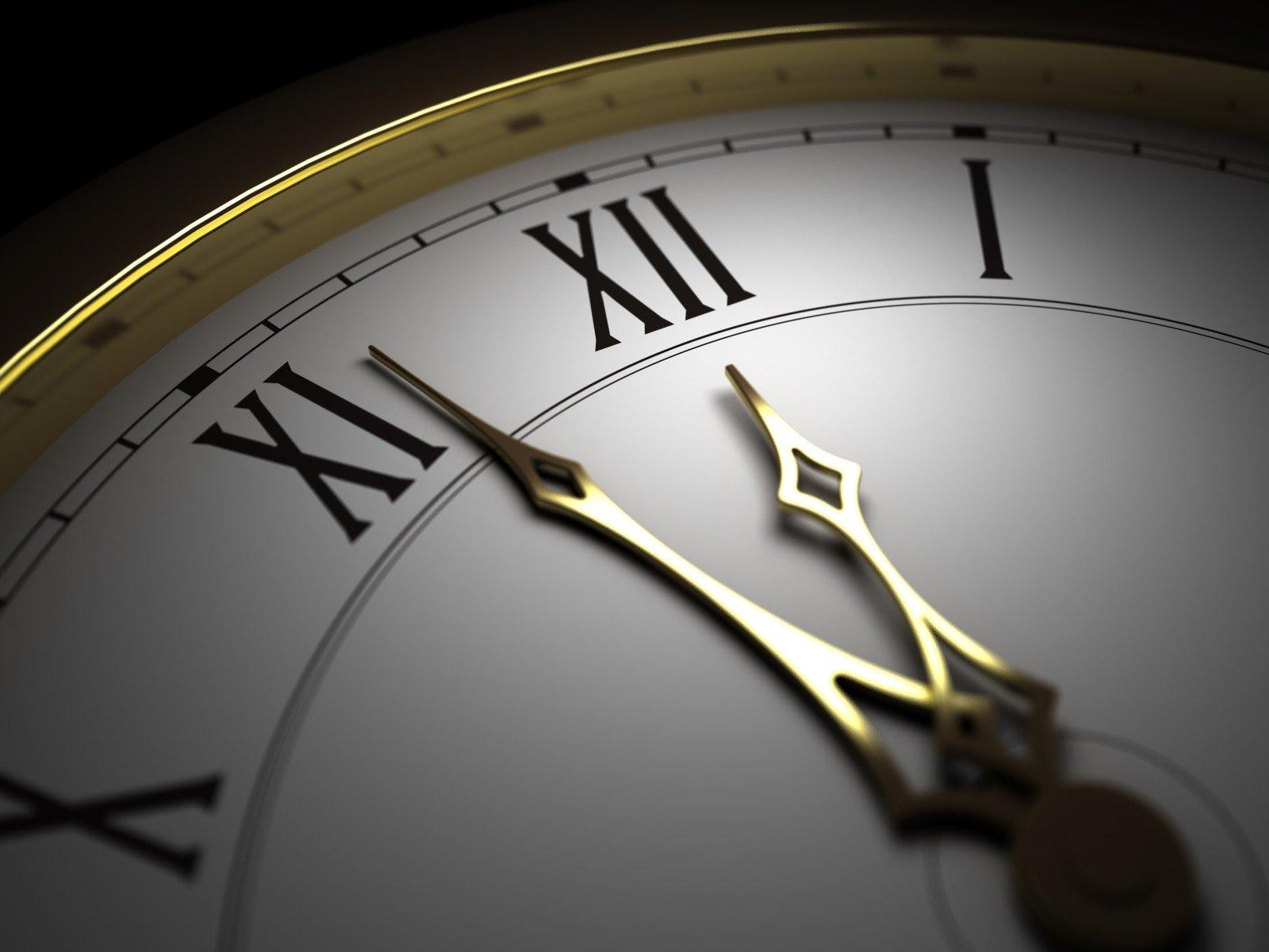 Англия переходит налетнее время: незабудьте перевести часы!