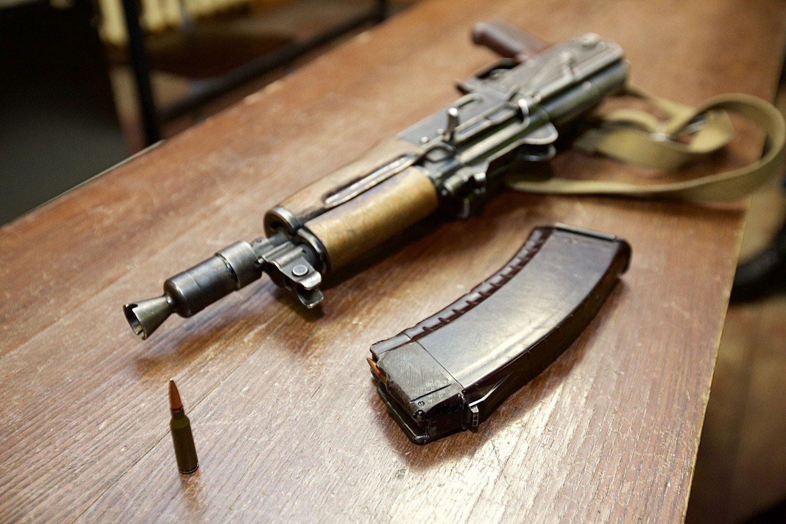Литва сказала Украине 150 тонн патронов кавтомату Калашникова
