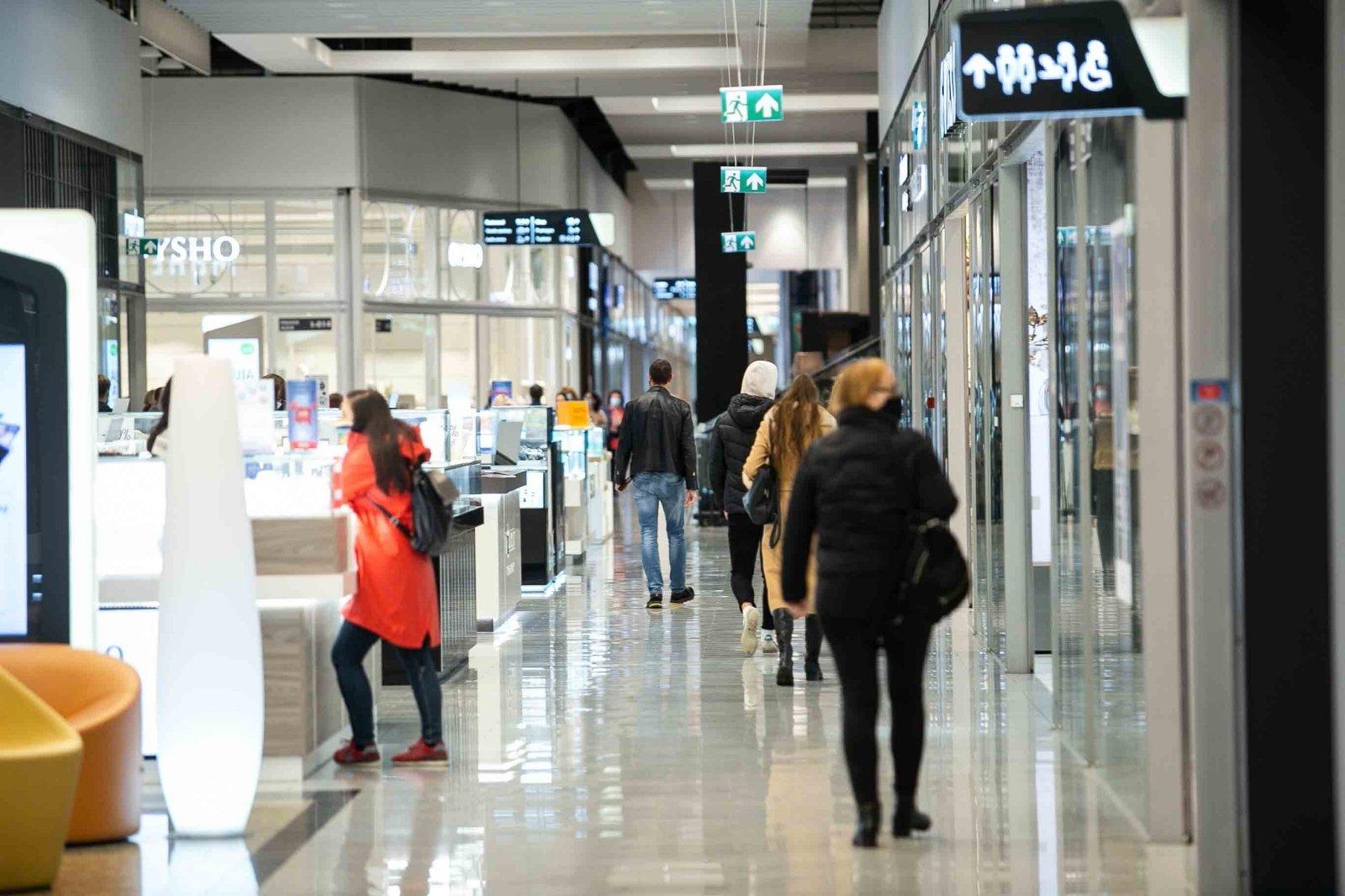 Vietoje banditų irštvos duris atvėrė nauja parduotuvė: tokios Lietuvoje dar nebuvo