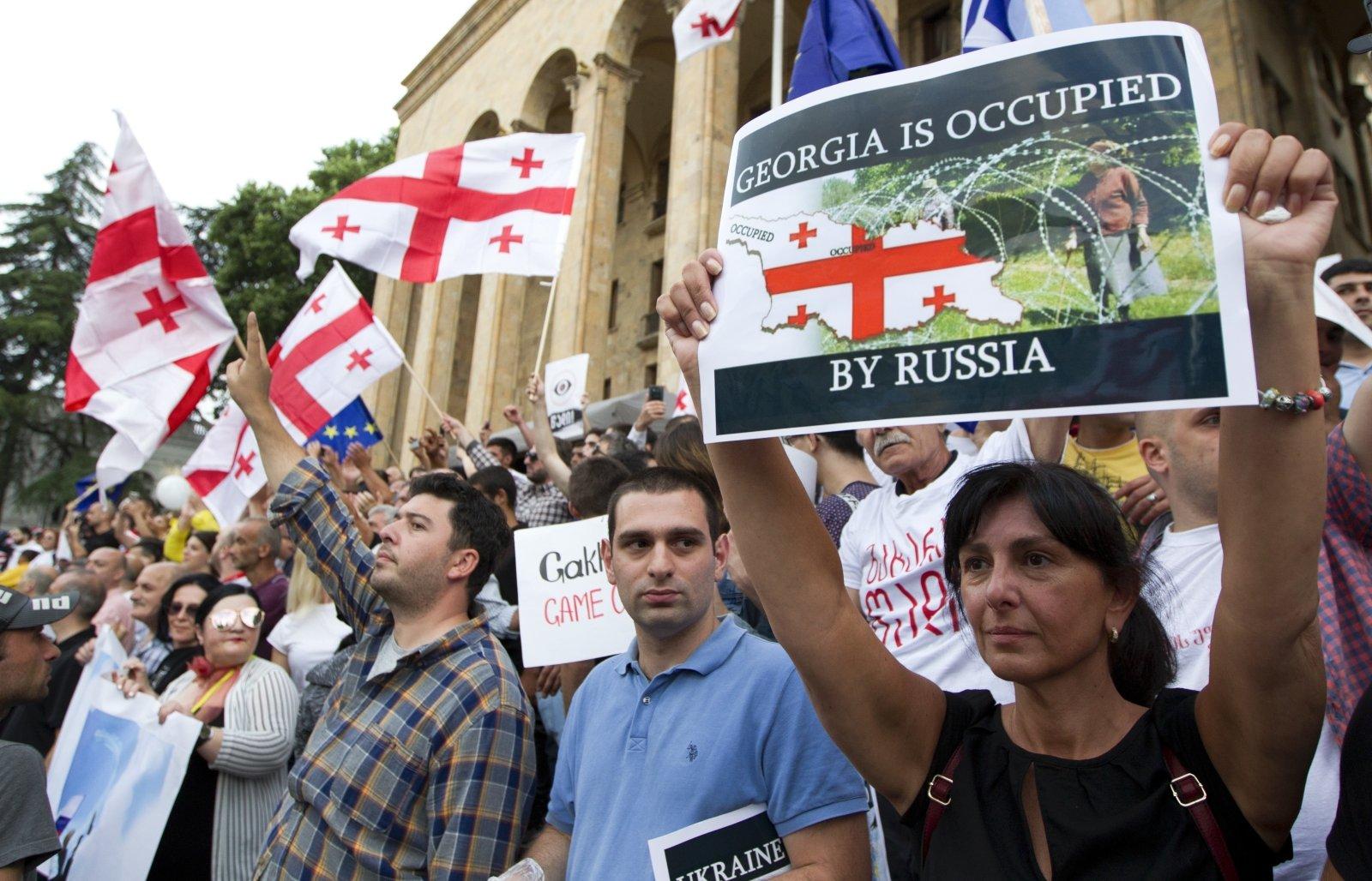 https://g1.dcdn.lt/images/pix/protesto-eitynes-tbilisyje-81594327.jpg