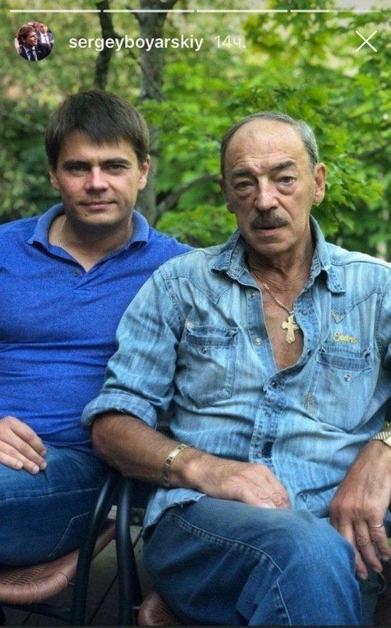 """В Сети появилось новое фото Боярского без шляпы: """"Батя на даче"""""""