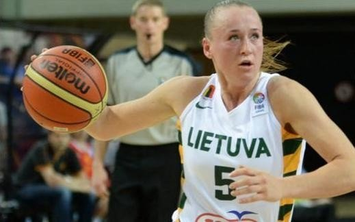 Santa Okockytė pictured in action for Lithuania. Photo courtesy of krepsinis.net