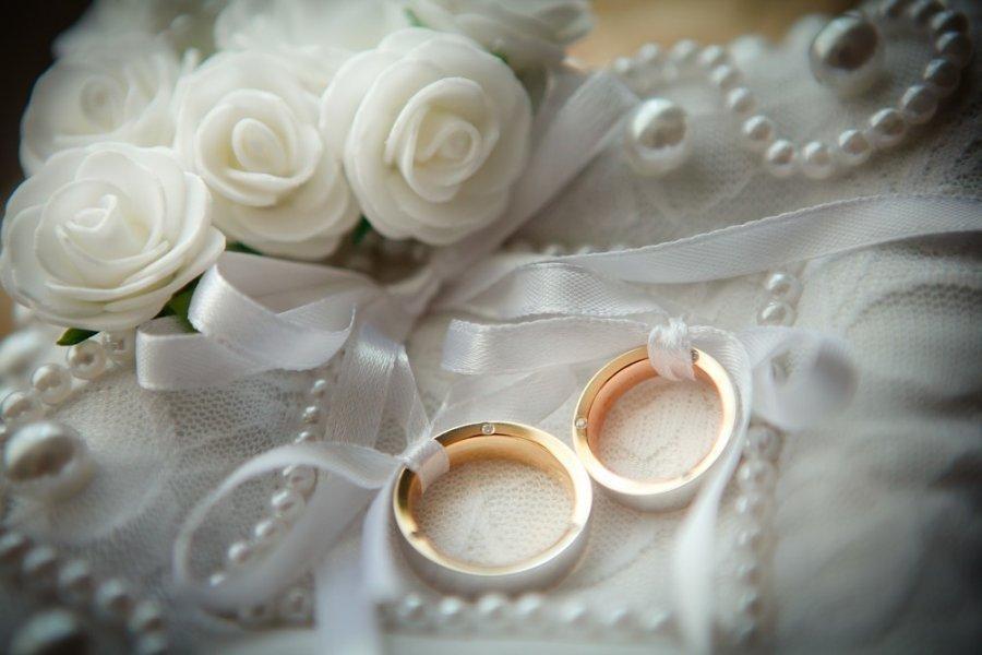 Красная горка сезон свадеб открывает: народные приметы для девушек на замужество и не только                1
