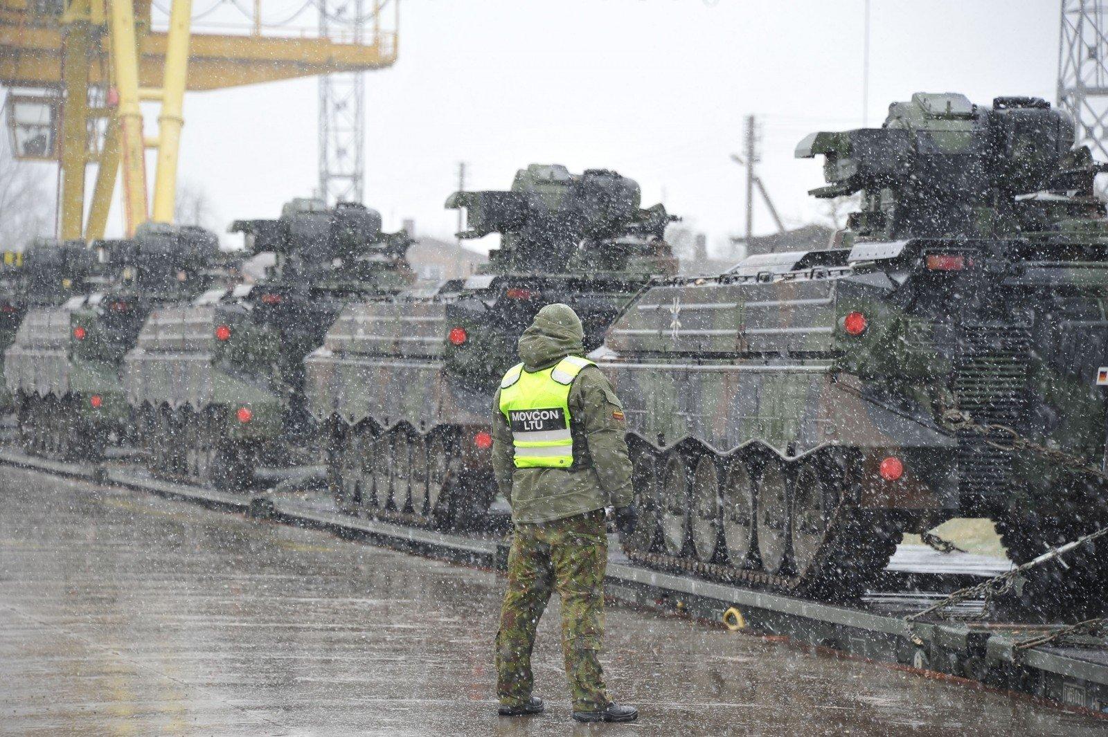 Германские танки иБМП прибыли вЛитву
