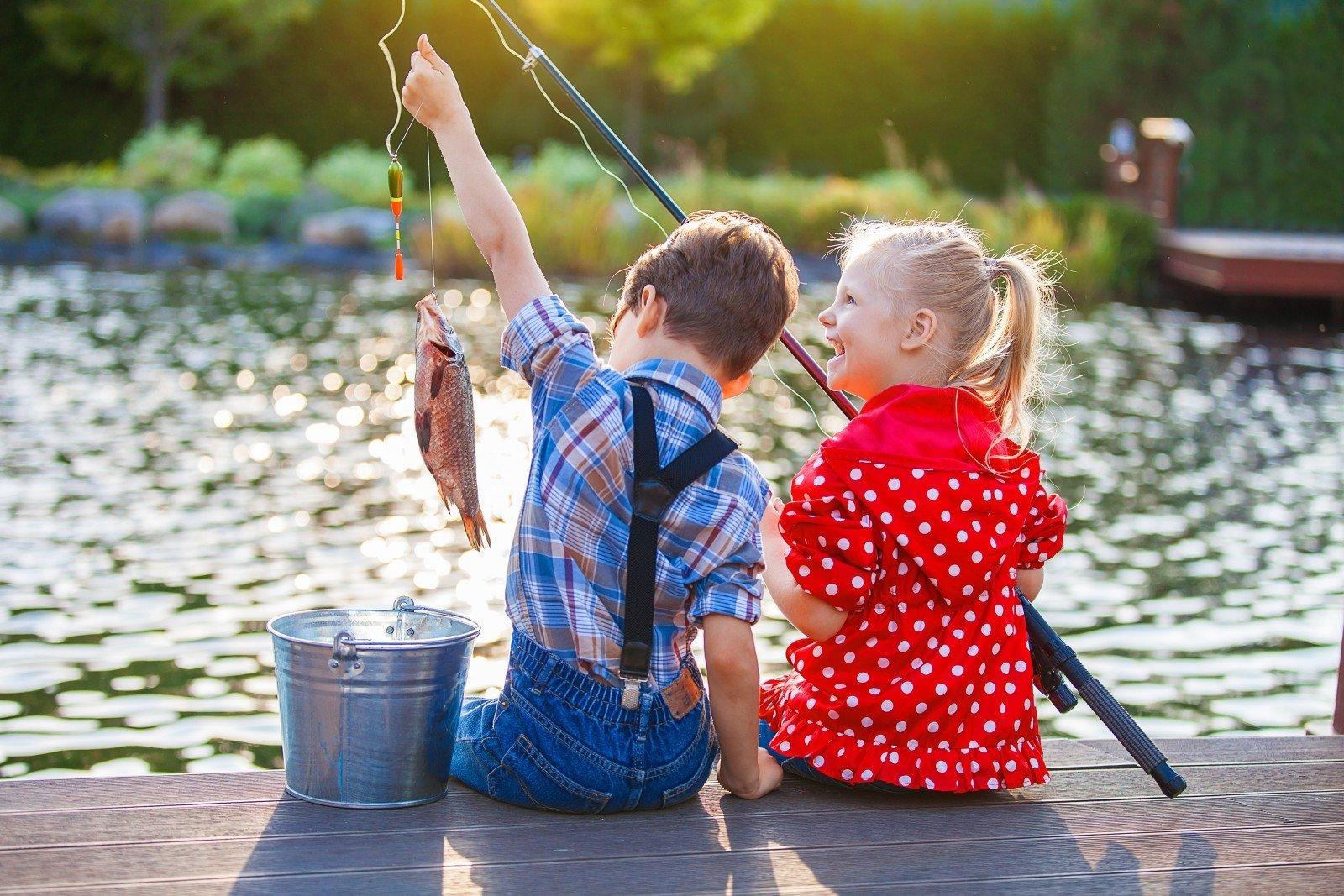 Картинка ловят рыбу